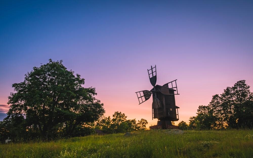 03925_windmillwindmillkeeponturning_2560x1600