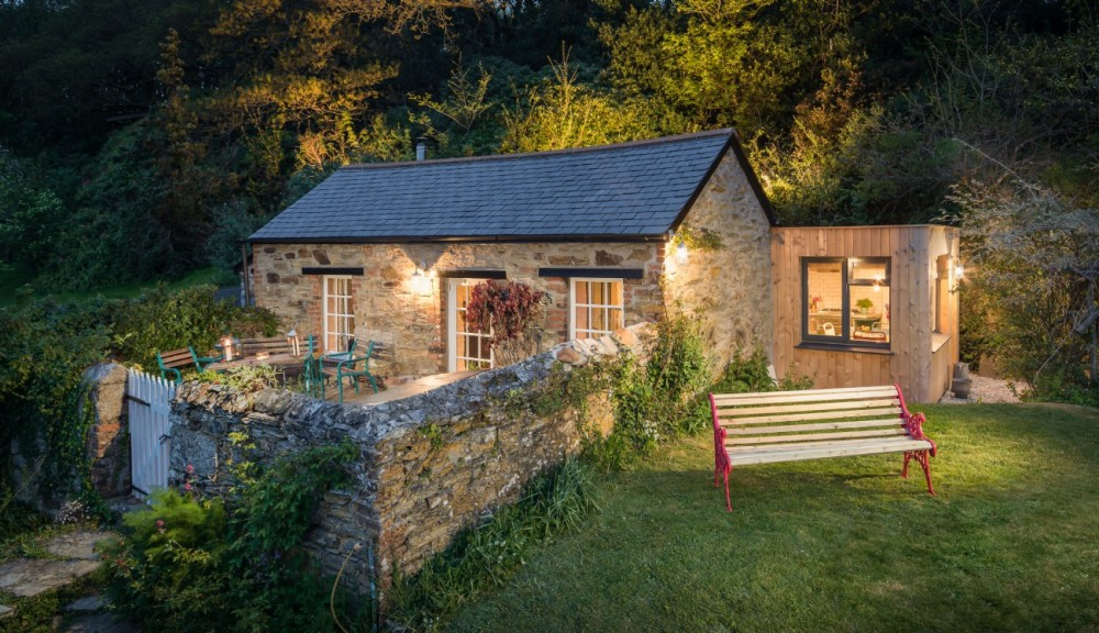 secluded-perranporth-luxury-self-catering-cottage-cornwall.jpg